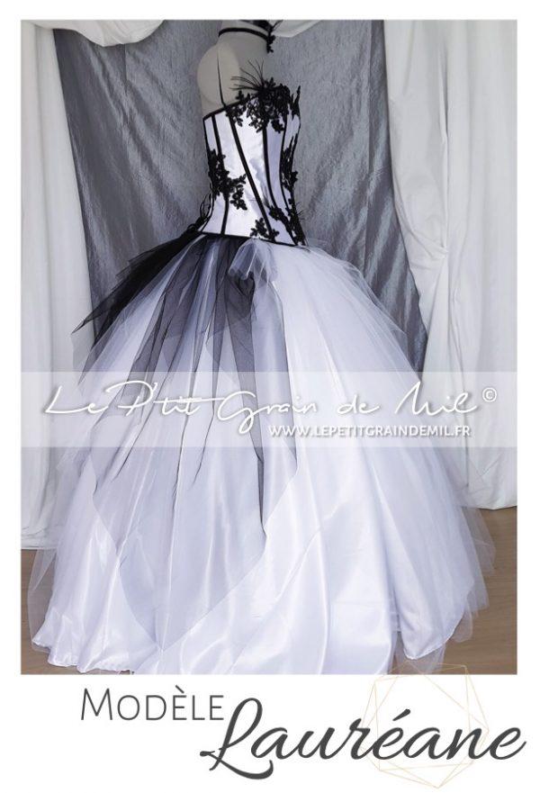 robe de mariée dentelle créateur bustier noir et blanche dentelle plumes