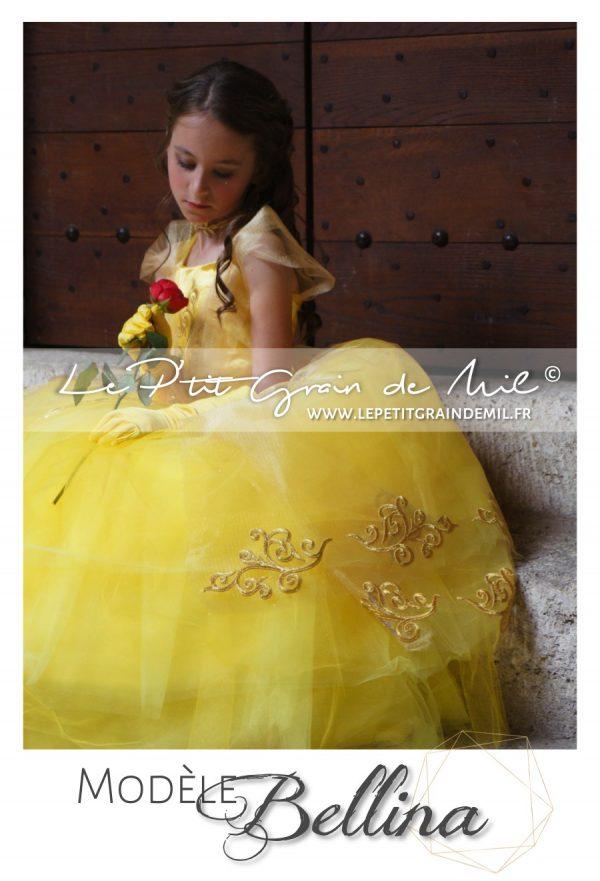 deguisement robe jaune princesse belle et la bête enfant femme 2017 film Emma Watson disney