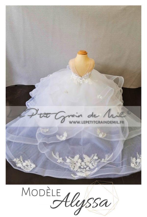 robe cérémonie mariage petite fille luxe avec traine mini mariée dentelle strass perles prestige