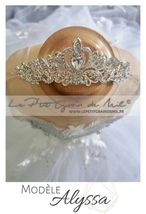 robe de princesse enfant mariage baptême mini mariée blanche tulle strass perles