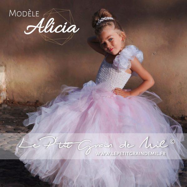 robe tutu de princesse petite fille cérémonie mariage en tulle blanc et rose poudré thème romantique romance