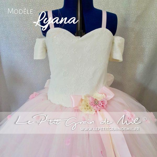 robe tutu de princesse bustier coeur enfant dentelle tulle rose poudré ivoire mariage cérémonie cortège
