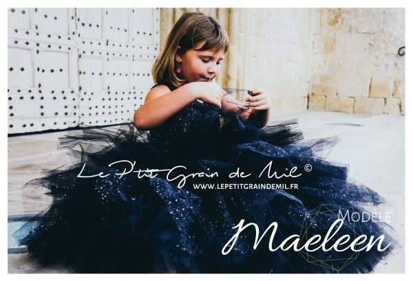 robe de cérémonie princesse enfant luxe maxi volume paillettes noire et sequins