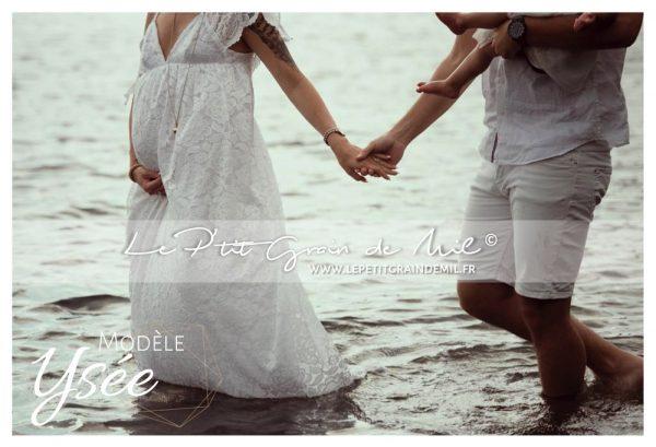shooting photo grossesse séance maternité poétique vintage robe dentelle