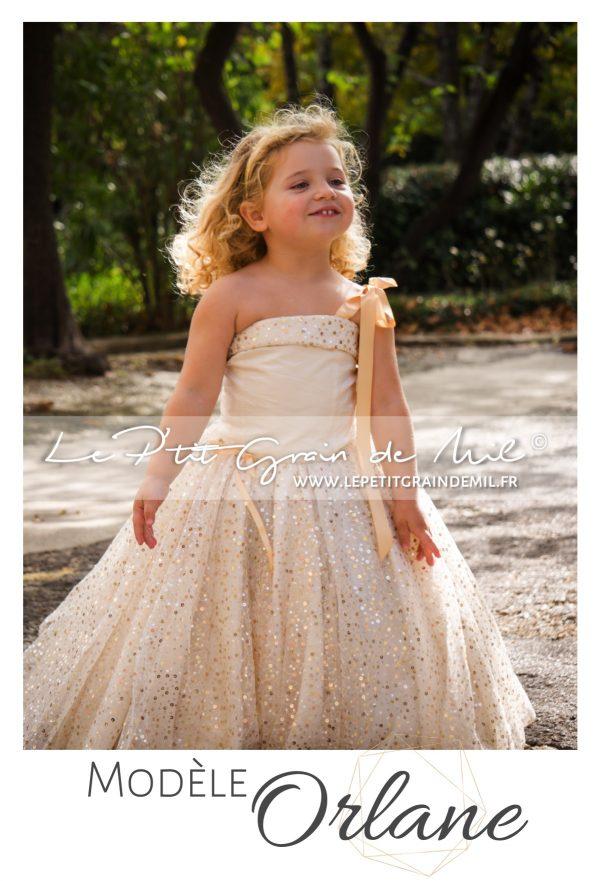 robe de princesse enfant petite fille dorée or cérémonie mariage