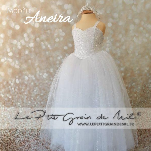 mini robe de mariée enfant fille busteir coeur perles paillettes sequins tulle volume