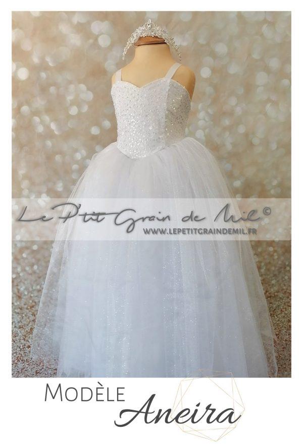 robe de mariée pour enfant bustier coeur lacet dans le dos paillettes mariage princesse