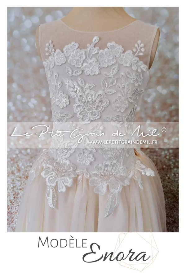robe de princesse fille cérémonie en dentelle avec traine amovible rose poudré pêche pastel mini robe de mariée bohème