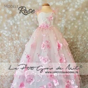 robe tutu de princesse petite fille cérémonie mariage en tulle blanc et rose poudré fleurs thème romantique