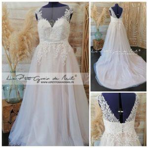 robe de mariée sur mesure romantique sexy décolleté dentelle perles strass avec traine et tulle paillettes